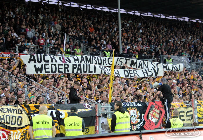 St. Pauli Gegen Dynamo Dresden